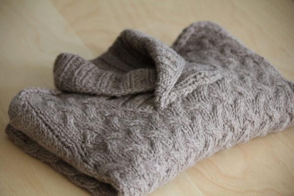 Présentation du pull pour enfant Gaston, patron de tricot de Julie Partie