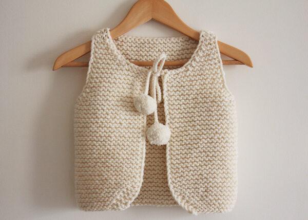 Présentation du gilet de berger Lil Shepherd, patron de tricot créé par Julie Partie
