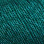 Gros plan sur le fil Allino de BC Garn, coloris 35 (pétrole)