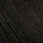 Gros plan sur le fil Allino de BC Garn, coloris 09 (noir)
