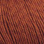 Gros plan sur le fil Allino de BC Garn, coloris 18 (acajou)