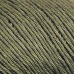 Gros plan sur le fil Allino de BC Garn, coloris 26 (kaki)
