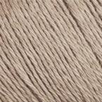 Gros plan sur le fil Allino de BC Garn, coloris 27 (beige)