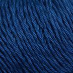 Gros plan sur le fil Allino de BC Garn, coloris 31 (bleu nuit)