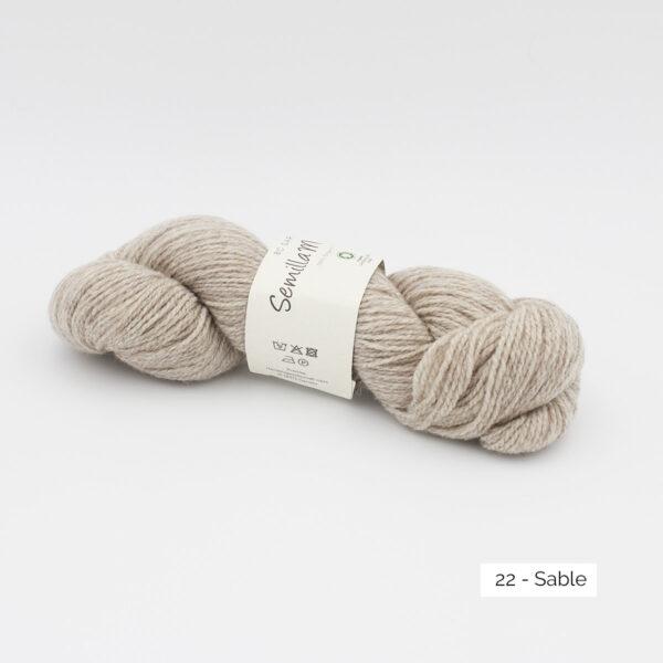 Un écheveau de Semilla Melange de BC Garn coloris Sable (beige très clair)