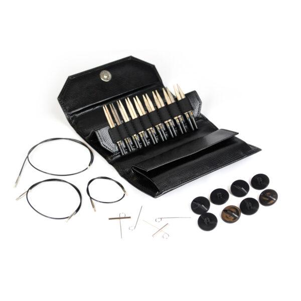 """Kit d'aiguilles circulaires interchangeables 3,5"""" Lykke en bouleau finition bois flotté dans sa pochette en simili cuir avec ses accessoires"""