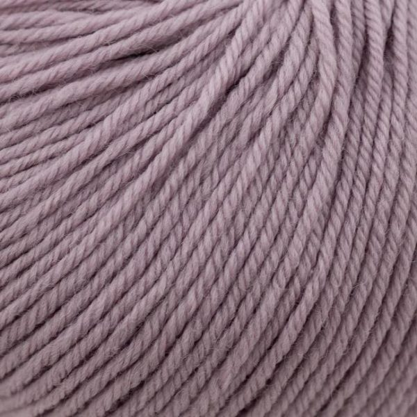 Zoom on a ball of Kremke Soul Wool's Bébé Soft Wash in the Parme colorway (light purple)