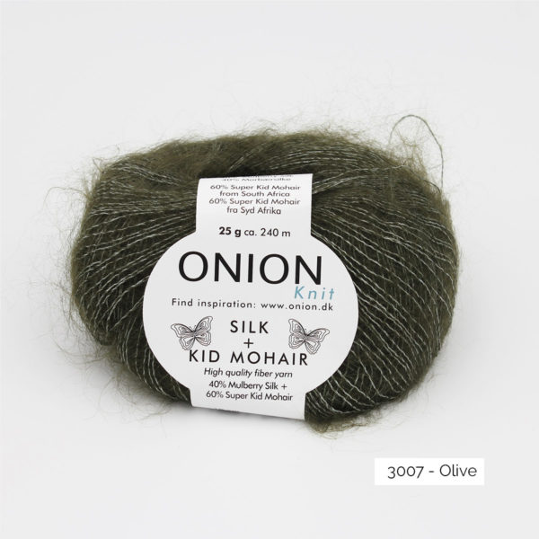 Une pelote de Silk + Kid Mohair d'Onion coloris Olive
