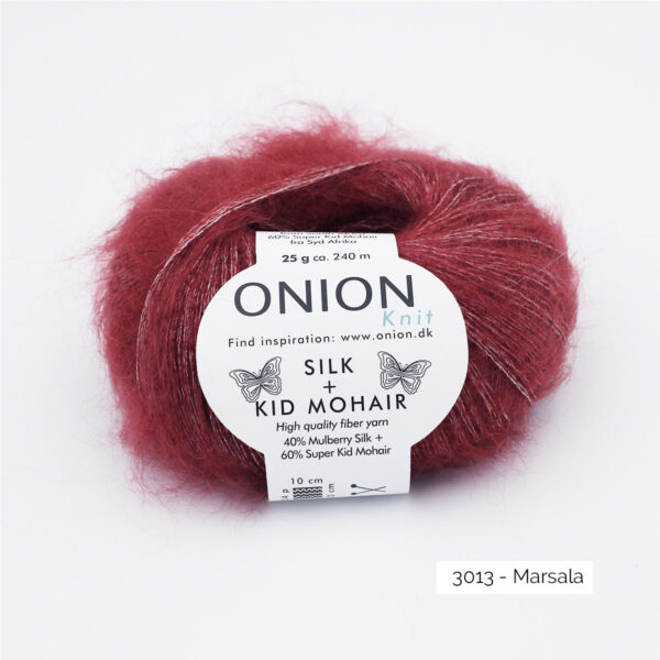 Une pelote de Silk + Kid Mohair d'Onion coloris Marsala