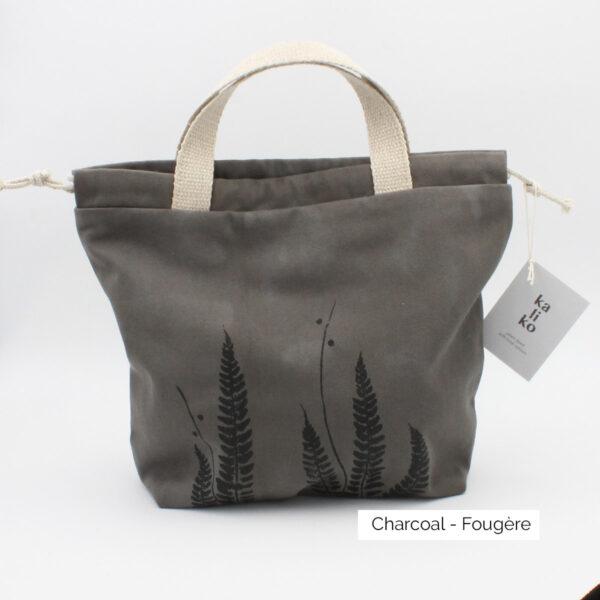 Présentation d'un sac à projet Kaliko, coloris Charcoal et imprimé Fougère