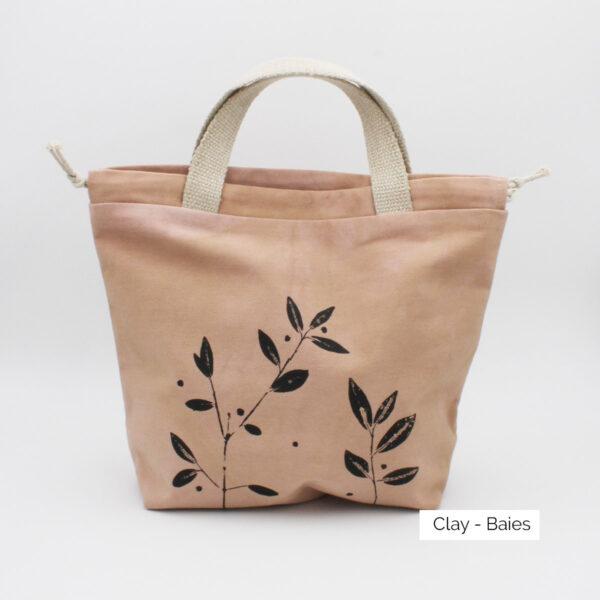 Présentation d'un sac à projet Kaliko, coloris Clay et imprimé Baies