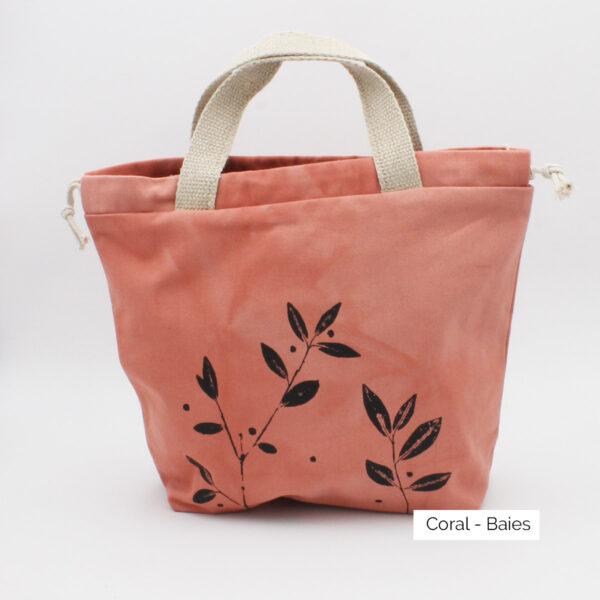 Présentation d'un sac à projet Kaliko, coloris Coral et imprimé Baies