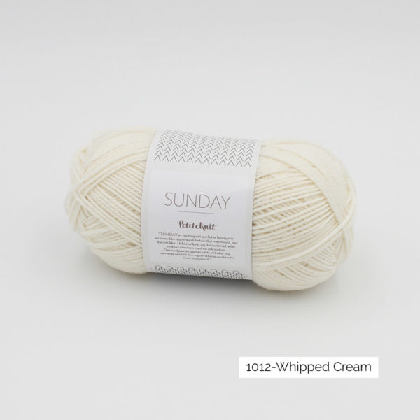 Pelote de Sunday by Petite Knit pour Sandnes Garn coloris Whipped Cream