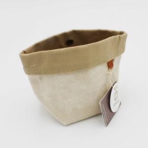 Petite pochette de la marque Cohana, en tissu enduit couleur naturel et beige, fabriquée artisanalement au Japon