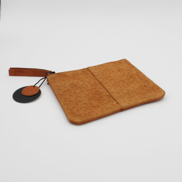 Display of the Wind leather pouch by Muud, in the Whisky colorway with animal texture