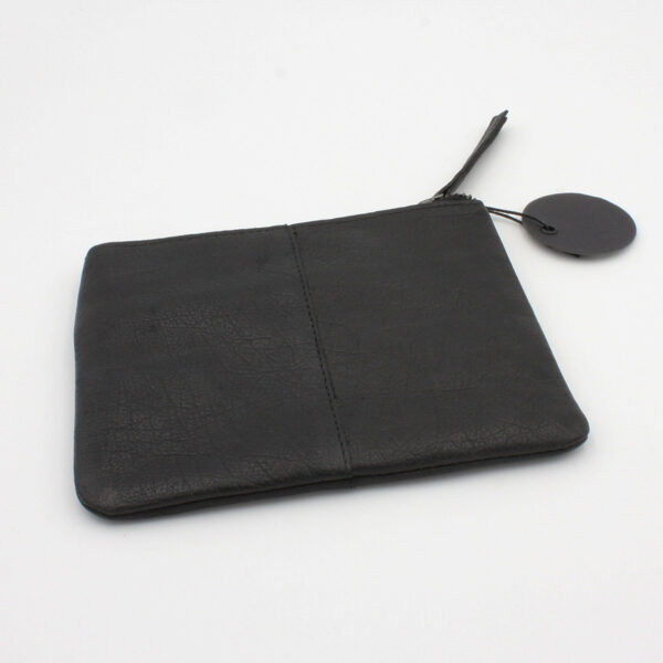Display of the Wind leather pouch by Muud, in black