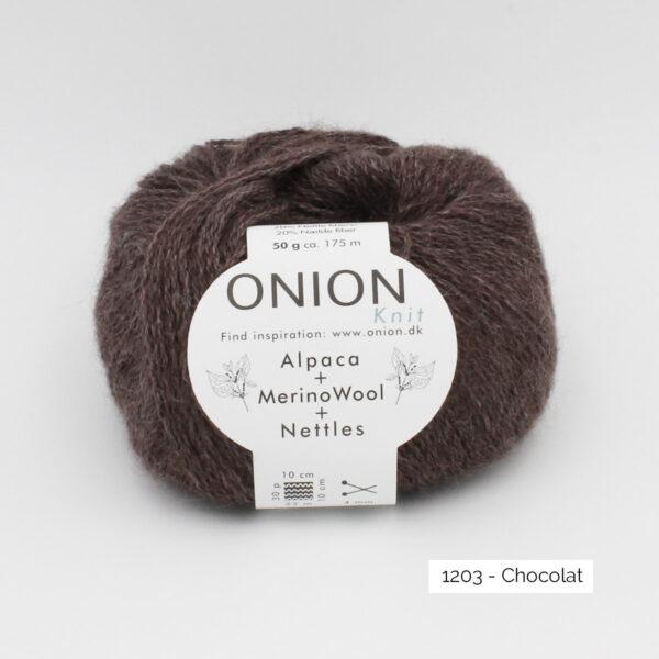 Une pelote d'Alpaca Merino Nettles d'Onion, coloris Chocolat