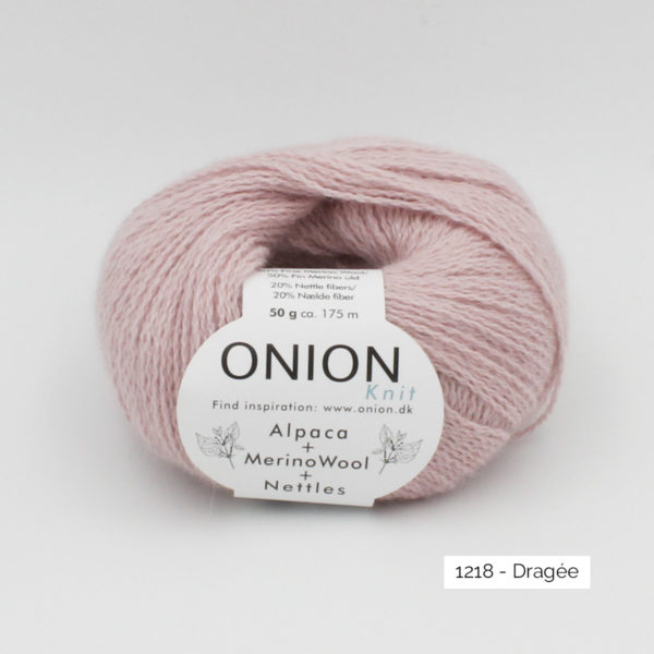 One ball of Onion Alpaca Merino Nettles, in the Dragée colorway (light pink)