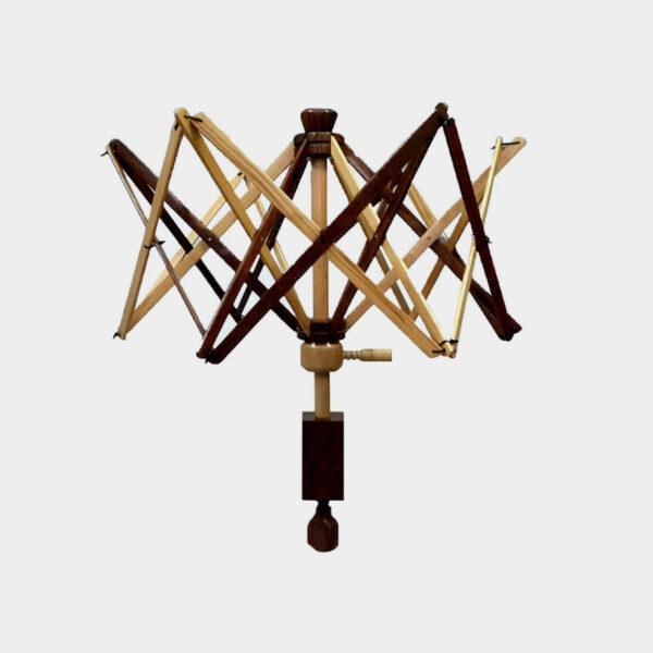 Dévidoir à laine parapluie en bois bicolore (clair et foncé) Scheepjes