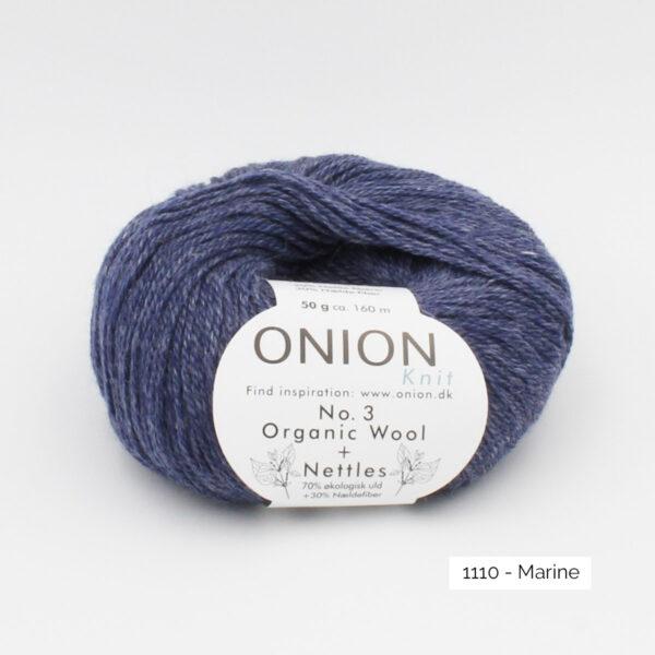 Une pelote d'Organic Wool + Nettles n°3 d'Onion coloris Marine