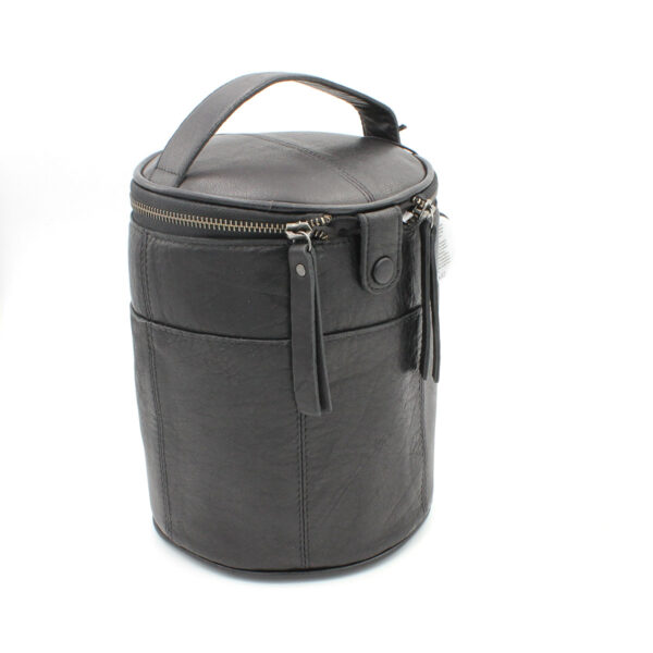 Display of a leather Saturn project bag, by Muud, in black
