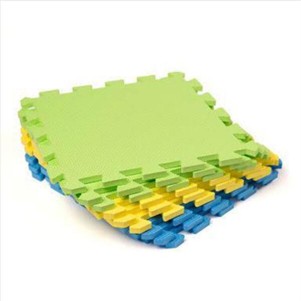 Présentation des dalles de blocage emboîtables en mousse Knit Pro, permettant de crér un tapis aux dimensions nécessaires pour bloquer vos tricots