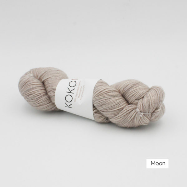 A skein of Kokon's Merino Fingering in the Moon colorway