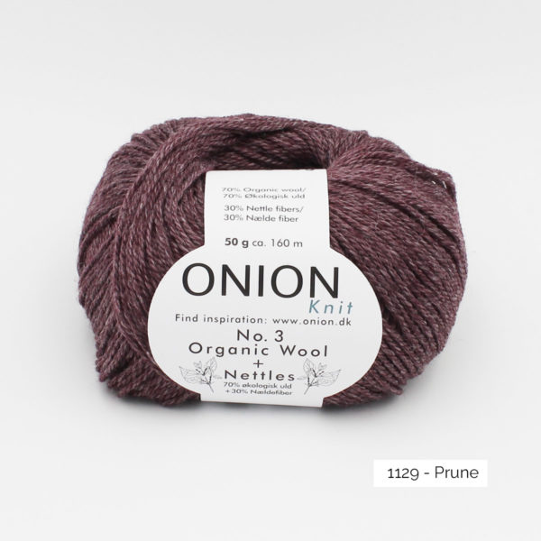 Une pelote d'Organic Wool + Nettles n°3 d'Onion coloris Prune