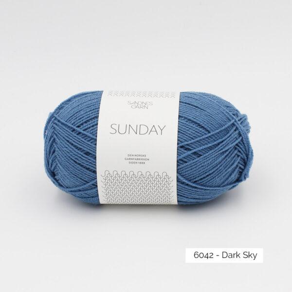 Pelote de Sunday by Petite Knit pour Sandnes Garn coloris Dark Sky