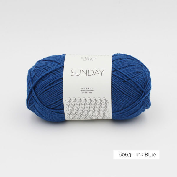 Pelote de Sunday by Petite Knit pour Sandnes Garn coloris Ink Blue