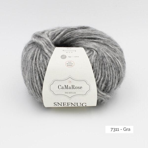 Une pelote de Snefnug de CaMaRose, coloris Gra (gris moyen)