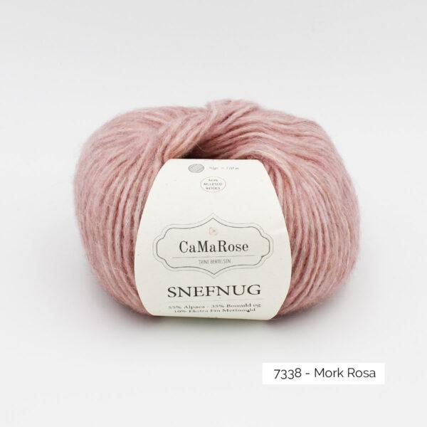 Une pelote de Snefnug de CaMaRose, coloris Mork Rosa (rose soutenu)