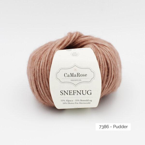 Une pelote de Snefnug de CaMaRose, coloris Pudder (vieux rose poudré)