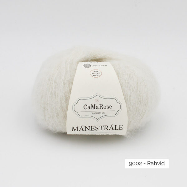 A ball of CaMarose Manestrale in the Rahvid colorway (white)