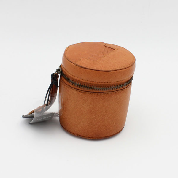 Display of a Rock leather pouch by Muud, in the whisky colorway