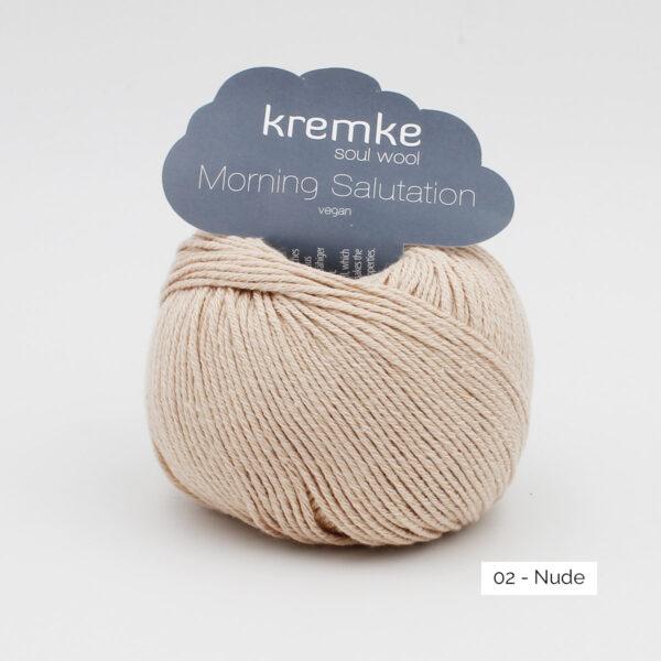Une pelote de Morning Salutation de Kremke Soul Wool coloris Nude (beige rosé)
