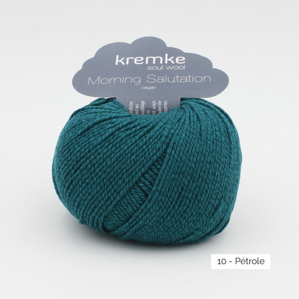 A ball of Kremke's Morning Salutation in the Pétrole colorway (petrol)