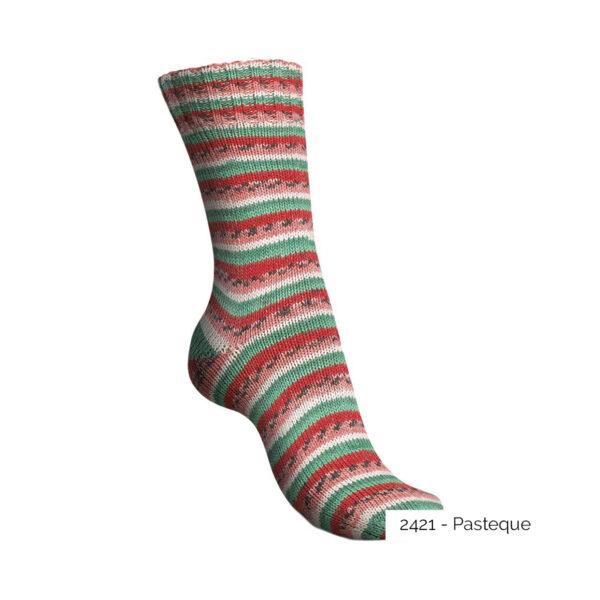 Exemple d'une chaussette tricotée avec le coloris Pastèque de la gamme Tutti Frutti Cotton de Regia