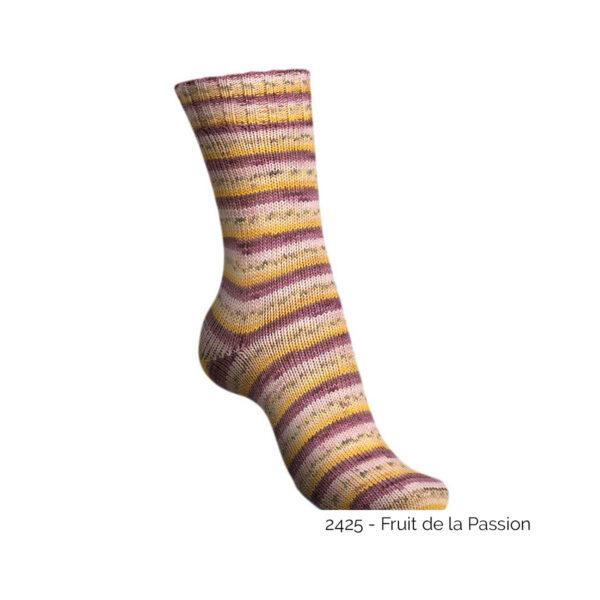 Exemple d'une chaussette tricotée avec le coloris Fruit de la Passion de la gamme Tutti Frutti Cotton de Regia