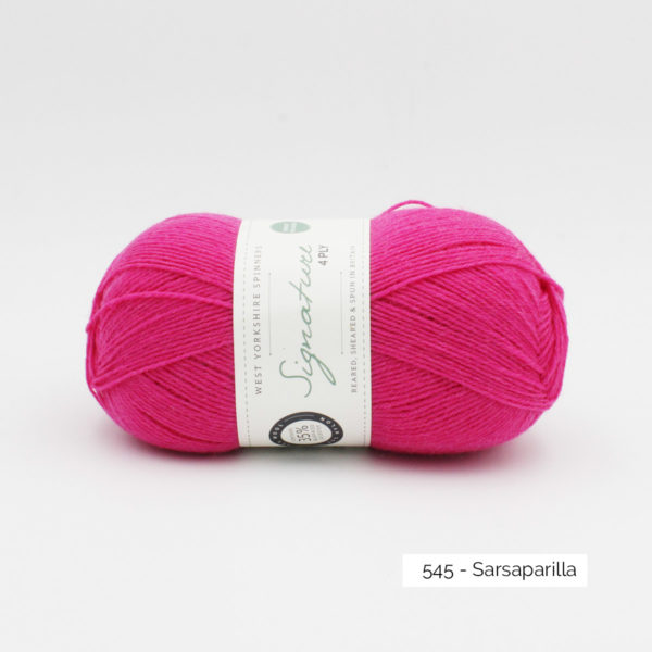 Pelote de Signature de West Yorkshire Spinners coloris Sarsaparilla (rose fuschia vif)