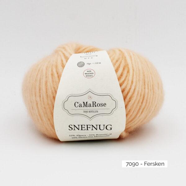 Une pelote de Snefnug de CaMaRose, coloris Fersken (pêche)