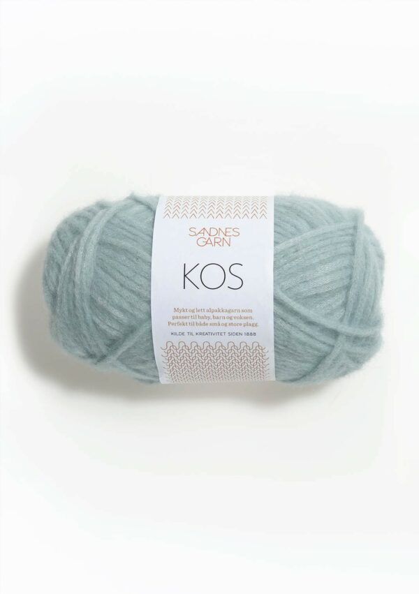 Une pelote de Kos de Sandnes Garn coloris Light Blue (bleu layette)