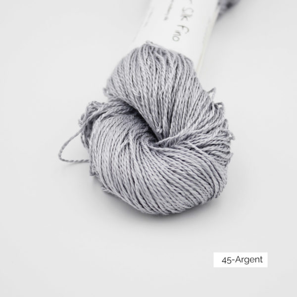Zoom on a skein of Jaipur Silk Fino by BC Garn in the Argent colorway (silver)