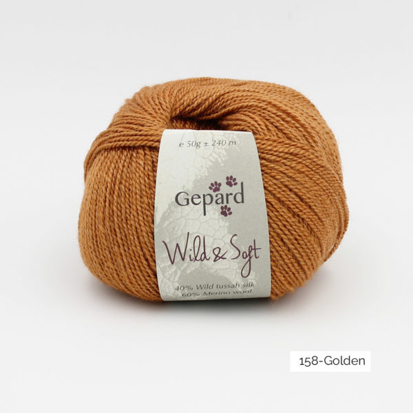 Une pelote de Wild & Soft de Gepard Garn, coloris Golden (doré)