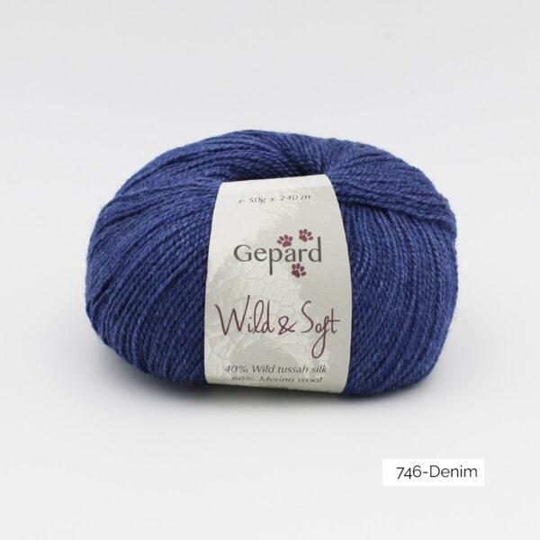 Une pelote de Wild & Soft de Gepard Garn, coloris Denim