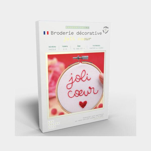 """Présentation de la boîte d'un kit de broderie """"Joli Coeur"""" de Les French'kits"""