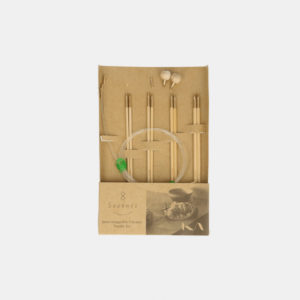 Kinki Amibari's Seeknit interchangeable circular needles mini-set, size S, including 4 pairs of bamboo needle tips and assorted accessories, in their packaging