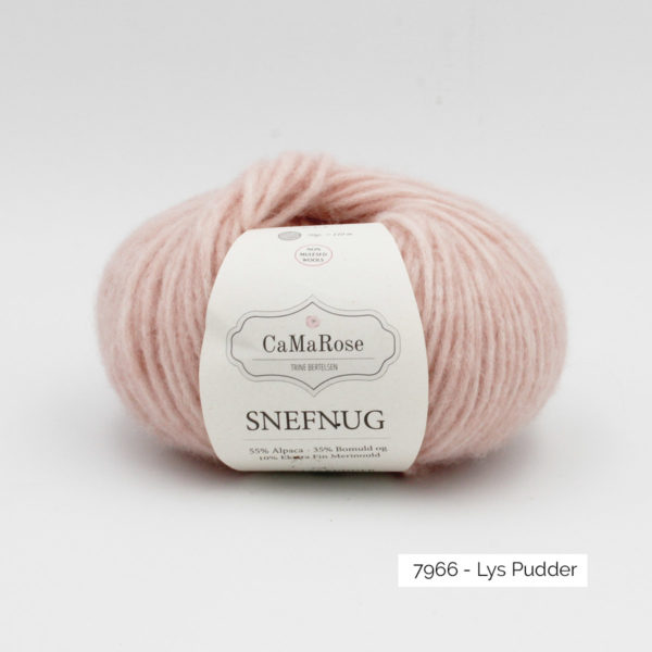 Une pelote de Snefnug de CaMaRose coloris Lys Pudder (rose poudré)
