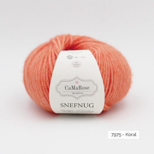 Une pelote de Snefnug de CaMaRose coloris Koral (rose corail)