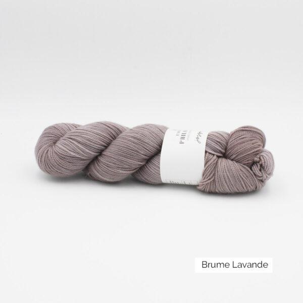 Un écheveau de Joséphine d'Emilia & Philomène coloris Brume Lavande